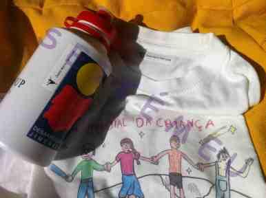 Garrafa e T-shirt etiquetas termo aderente e auto colantes Seikemeu